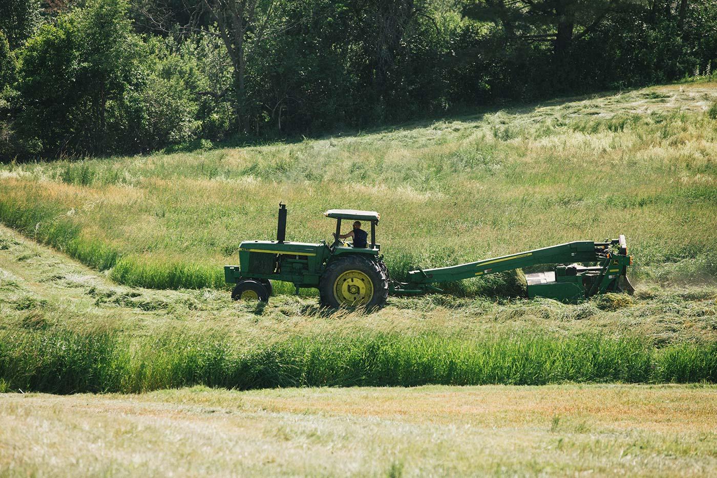 https://www.oakhurstdairy.com/wp-content/uploads/2021/09/farmer-imgs-halledge2-150x150.jpg